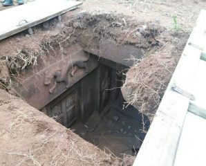 Villagers uncover tomb in China