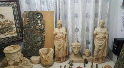 Artefacts and their imitations seized by Tunisian officers