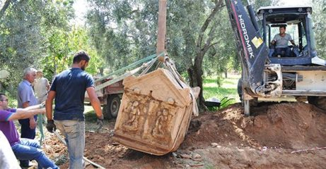 Another discovery of a sarcophagus in İznik