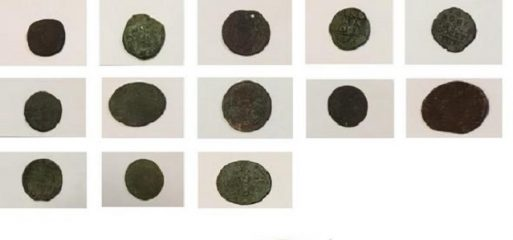 Italian Police confiscated rare Roman coins from a private residence