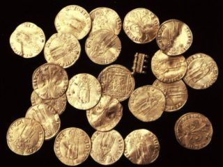 Crusader-era shipwreck reveals golden Italian coins