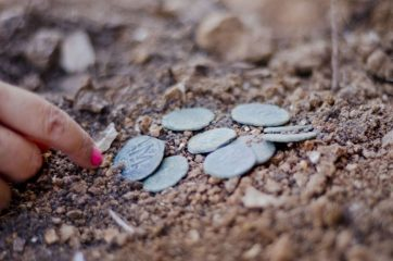 Byzantine coin cache found in Jerusalem