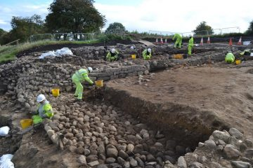 Roman settlement under Britain's longest road