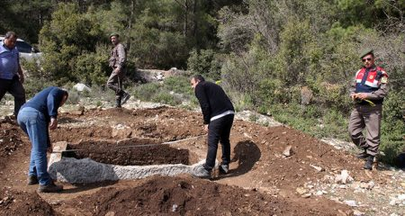 Ancient tombs discovered by illegal excavations