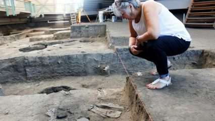 Bones and tools found in pre-Columbian village