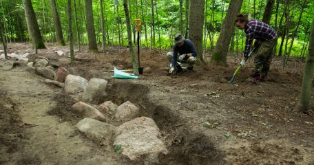 Megalithic tomb built 6000 years ago unearthed