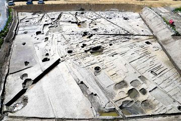 Structures pointing to a second capital in Osaka unearthed
