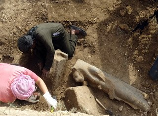 Trove of statues of lioness-goddess unearthed