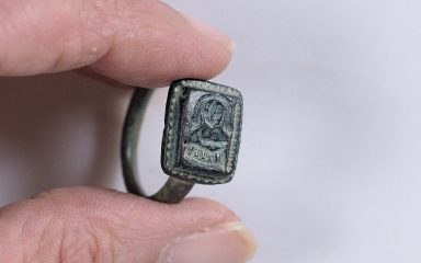 Gardner unearths a bronze ring with depiction of St Nicolas